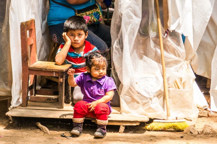 Kids waiting for their mum to finish working, San cristobal, Mexico 2017©